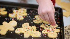 Simples tradiciones navideñas que nacen al cocinar con nuestros pequeños