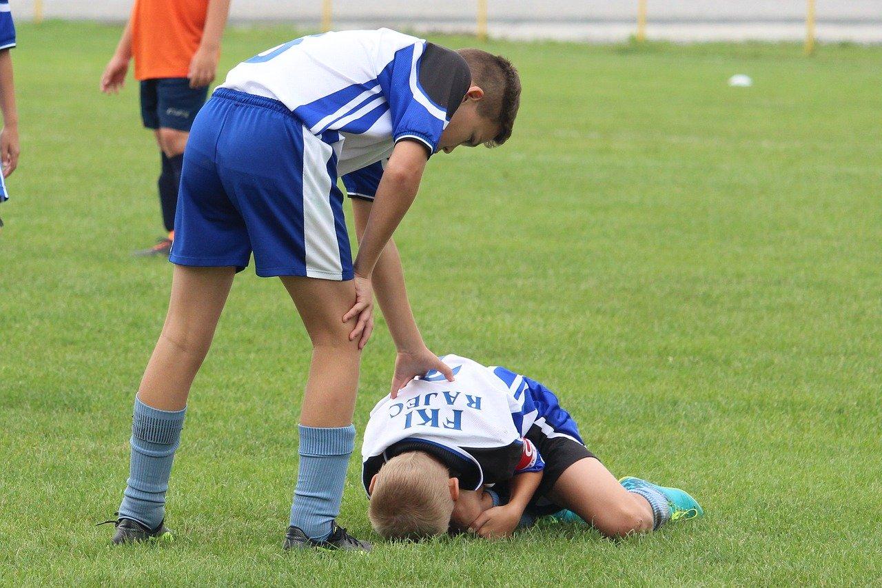 niño-fútbol-lesión