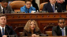 La representante Demócrata Lucy McBath vota 'Sí' al impeachment