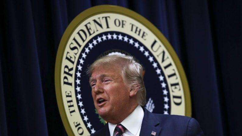 O presidente Donald Trump, depois de falar em uma Cúpula de Saúde Mental da Casa Branca no Auditório da Corte Sul do Edifício Eisenhower Executive Office, na Casa Branca, Washington, em 19 de dezembro de 2019 (Drew Angerer / Getty Images)
