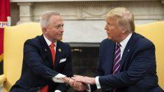 Van Drew cambió a republicano cuando presidente demócrata de NJ lo presionó a votar por el impeachment