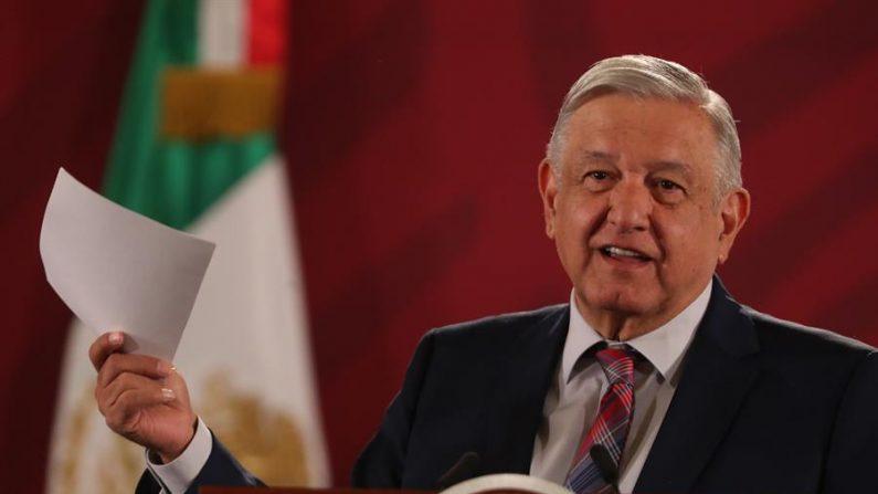 El presidente de México, Andrés Manuel López Obrador, ofrece una rueda de prensa matutina el 16 de enero de 2020, en el Palacio Nacional de Ciudad de México (México). EFE/ Mario Guzmán/Archivo