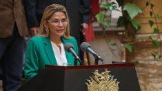 Régimen cubano se quedaba con el 80% del dinero de los médicos que envió a Bolivia, dice la presidente Añez
