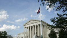"""Administración Trump pide a la Corte Suprema que permita aplicación de la norma de """"carga pública"""""""