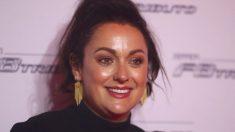 Comediante Celeste Barber levanta US$ 30 milhões em quatro dias para os bombeiros na Austrália