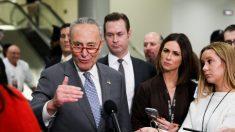 """Votar para llamar a los testigos del impeachment es una """"batalla ardua"""", dijo Schumer"""