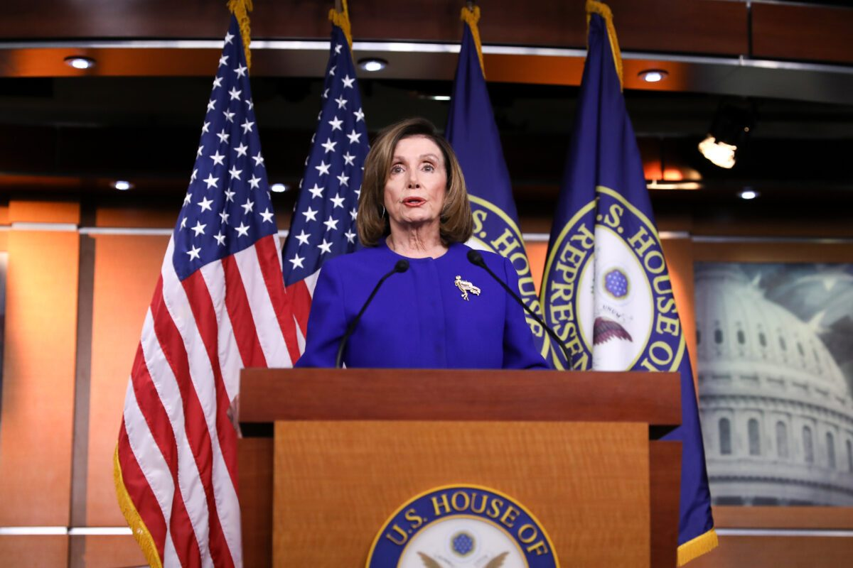 La Presidenta de la Cámara de Representantes, Nancy Pelosi (D-Calif.), en una conferencia de prensa en el Capitolio de Washington