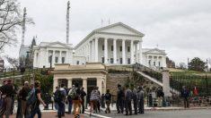 Grupos de derechos de armas buscan bloquear la declaración de emergencia del gobernador de Virginia