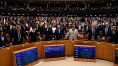 """El Parlamento Europeo ratifica el acuerdo del """"Brexit"""""""