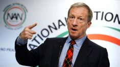 El multimillonario candidato presidencial Tom Steyer contrató a un director estatal socialista