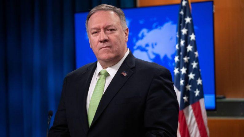 El Secretario de Estado de EE.U., Mike Pompeo, realiza una conferencia de prensa en el Departamento de Estado en Washington, DC, el 11 de diciembre de 2019. (SAUL LOEB/AFP/Getty Images)