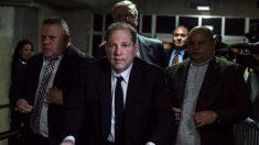 Una larga lectura dramatizada de un testimonio contra Weinstein ocupa el debate del jurado