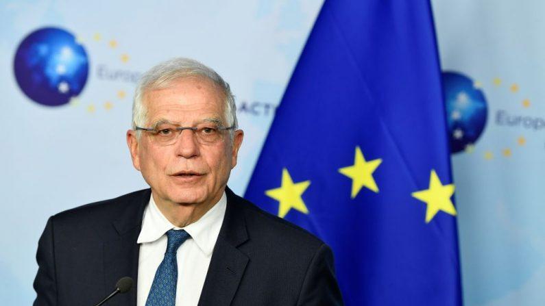 El alto representante de la Unión Europea para Asuntos Exteriores y Política de Seguridad, Josep Borrell, da una conferencia de prensa después de una reunión de ministros de Asuntos Exteriores de la UE sobre la situación en Libia e Irán en la sede de la UE en Bruselas (Bélgica) el 7 de enero de 2020. (JOHN THYS / AFP / Getty Images)