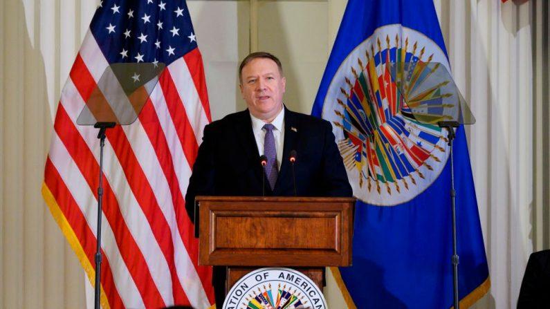 El Secretario de Estado de los Estados Unidos, Mike Pompeo, habla en la Organización de los Estados Americanos (OEA) durante una reunión de representantes en Washington, DC. (EE.UU.) el 17 de enero de 2020. (ANDREW CABALLERO-REYNOLDS / AFP / Getty Imágenes)