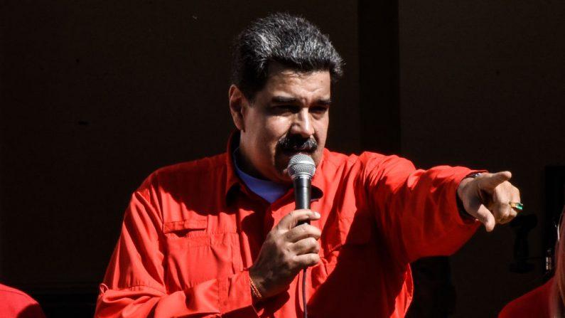 El líder chavista de Venezuela, Nicolás Maduro, da un discurso en el Balcón del Pueblo en el Palacio de Miraflores el 23 de enero de 2020 en Caracas, Venezuela (Carolina Cabral/Getty Images)