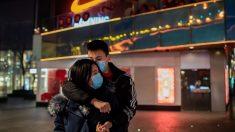 Ciudadanos chinos alertan la propagación del coronavirus mientas las autoridades minimizan la crisis