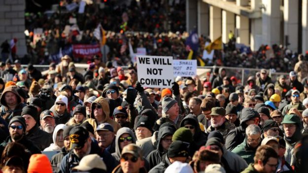 Los derechos civiles y la Segunda Enmienda