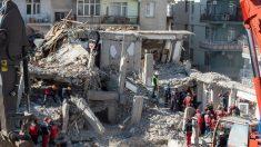 Muertos por terremoto en Turquía aumentan a 39, mientras los rescatistas buscan más sobrevivientes