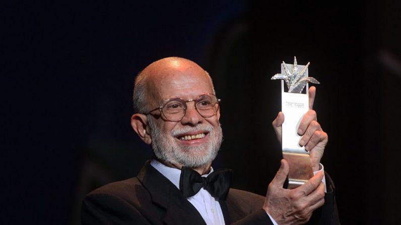 El cineasta mexicano Jaime Humberto Hermosillo recibió un premio durante el 30º Festival Internacional de Cine de Guadalajara en Guadalajara el 7 de marzo de 2015. (HECTOR GUERRERO / AFP / Getty Images)
