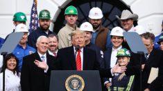 En importante victoria política, Trump firma acuerdo USMCA para acabar con la 'pesadilla del TLCAN'
