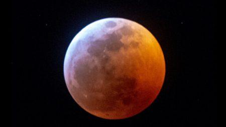 Raro eclipse da 'Lua do Lobo' de janeiro anuncia a primeira das 13 luas cheias de 2020 – e aqui está o que esperar