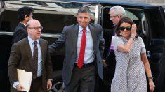 Exabogados de Flynn encuentran miles de documentos más y juez les ordena buscar de nuevo