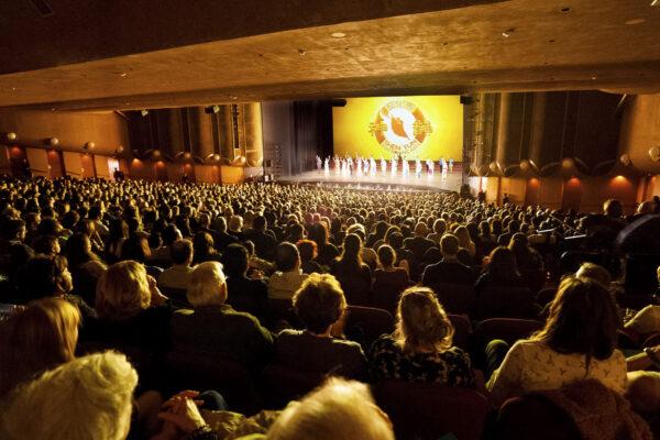 Shen Yun Performing Arts Global Company's abre el telón en el Centro de Artes Escénicas de San José