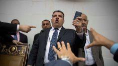 Fuerzas chavistas impiden ingreso de la oposición a la AN y votan por nueva junta sin quórum