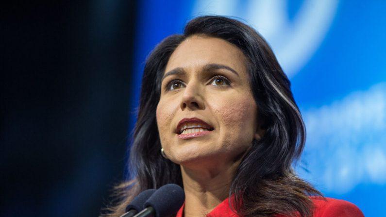 La candidata presidencial demócrata, la representante Tulsi Gabbard (D-Hawaii) habla en New Hampshire en una fotografía de archivo. (Scott Eisen/Getty Images)