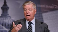 Senadores republicanos piden una copia del libro de John Bolton