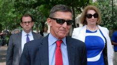 """Sidney Powell está """"siguiendo el curso"""" y demostrará el presunto fraude electoral, dice el gral. Flynn"""