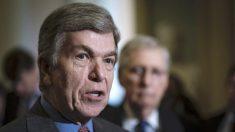 """Senadores republicanos """"no están interesados"""" en moción que desestime el impeachment, dice Roy Blunt"""