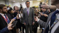 """Senador Romney dice que es """"muy probable"""" que vote por los testigos en el impeachment"""