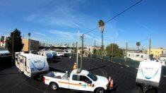 California: Newsom provee tráilers para albergar a 10 familias sin techo
