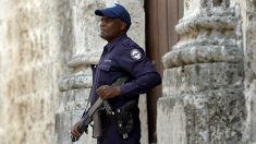 Denuncian arresto del artista disidente Hamlet Lavastida a su llegada a Cuba