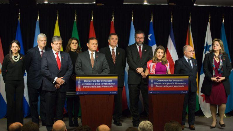 La ministra de Asuntos Exteriores de Canadá, Chrystia Freeland, habla durante la conferencia de prensa para la décima reunión del Grupo de Lima en Ottawa, Ontario, Canadá, el 4 de febrero de 2019. (LARS HAGBERG / AFP / Getty Images)