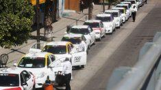 Revelan mafia de transportistas que asalta a migrantes en norte de México