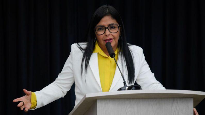 El vicepresidente de Venezuela, Delcy Rodríguez, habla durante una conferencia de prensa en el Palacio Presidencial de Miraflores en Caracas el 31 de julio de 2019. (FEDERICO PARRA / AFP / Getty Images)