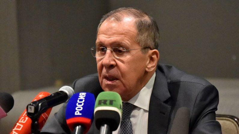 El ministro de Asuntos Exteriores de Rusia, Sergei Lavrov, ofrece una conferencia de prensa después de una reunión con su homólogo mexicano Marcelo Ebrard en la Ciudad de México (México), el 6 de febrero de 2020. (RODRIGO ARANGUA / AFP / Getty Images)