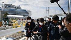 Pasajeros abandonan crucero en cuarentena mientras EE.UU. impide que estadounidenses regresen