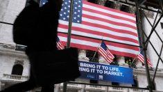 Mayoría de estadounidenses creen que sus dólares de impuestos son malgastados, dice encuesta