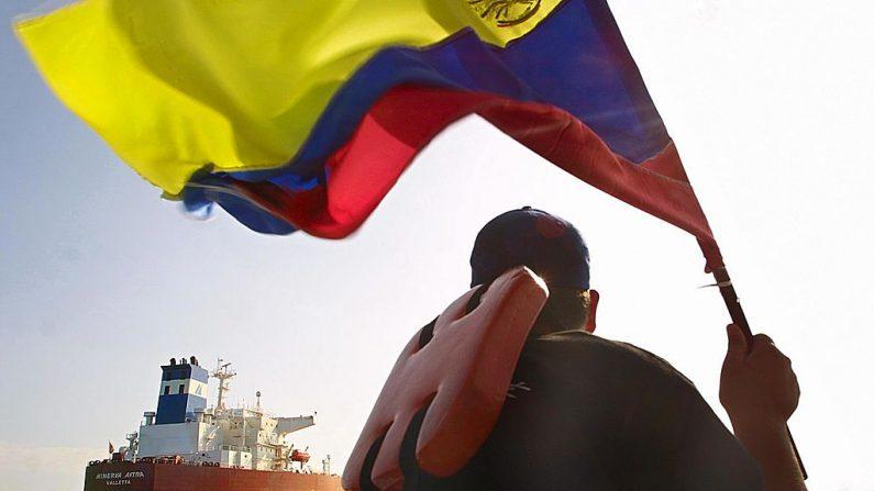 """Familiares de desaparecidos en supuesto naufragio denuncian """"secuestro en altamar"""". (Imagen de ANDREW ALVAREZ/AFP via Getty Images)"""