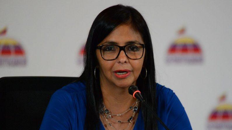 La vicepresidente del régimen socialista de Venezuela, Delcy Rodríguez, ofrece una conferencia de prensa a corresponsales de medios extranjeros, en el Ministerio de Relaciones Exteriores en Caracas (Venezuela) el 28 de agosto de 2017. (FEDERICO PARRA / AFP / Getty Images)