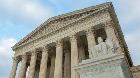 Corte Suprema accede a revisar lucha de agencia religiosa de acogida temporal contra Filadelfia