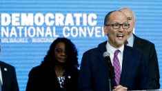 Presidente del DNC pide que se revisen los resultados del Caucus de Iowa