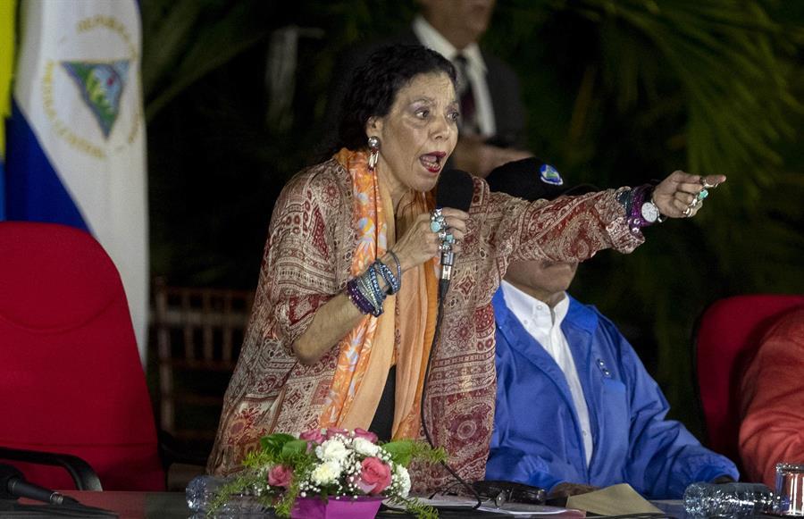 """UE sanciona a vicepresidenta de Nicaragua, RosarioMurillo, y 7 más por """"socavar la democracia"""""""