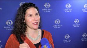 """Empresaria se sorprende por la profundidad y belleza de Shen Yun: """"Pude sentir mi corazón sanando"""""""