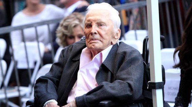 La leyenda del cine Kirk Douglas muere a los 103 años