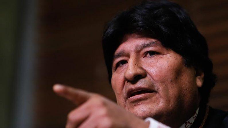 El expresidente de Bolivia Evo Morales habla durante una rueda de prensa hoy viernes en Buenos Aires (Argentina). (EFE/Juan Ignacio Roncoroni)