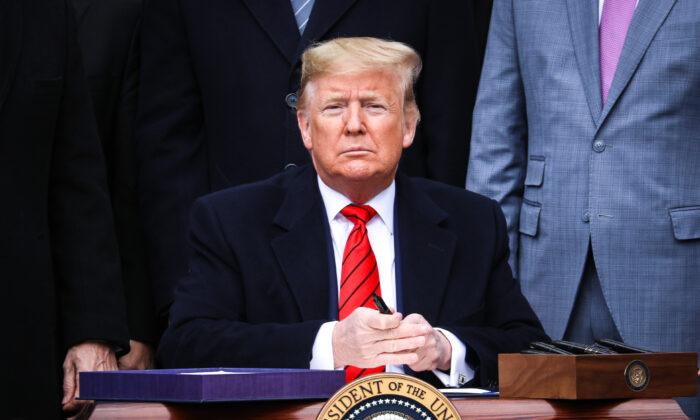 El presidente Donald Trump durante una ceremonia en el Jardín Sur de la Casa Blanca en Washington el 29 de enero de 2020. (Charlotte Cuthbertson/The Epoch Times)